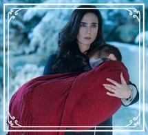 Abby en brazos de su madre