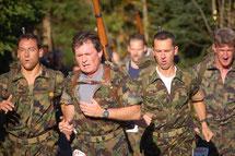 Läufergruppe beim Zürcher Waffenlauf