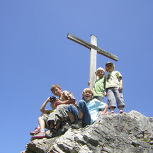 Wanderungen und Gipfelsiege auf den schönsten Bergen