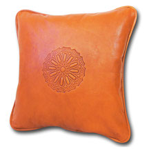 Mina Design Lederkissen Leder Kissen orange Sitzkissen Zierkissen Sofakissen leather cussion pillow coussin en cuir