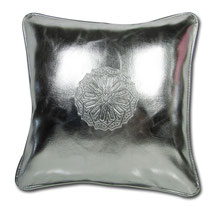 Mina Design Lederkissen Leder Kissen pink Sitzkissen Zierkissen Sofakissen leather cussion pillow coussin en cuir