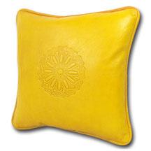 Mina Design Lederkissen Leder Kissen gelb Sitzkissen Zierkissen Sofakissen leather cussion pillow coussin en cuir