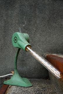 lorenzo lampe tischlampe lunico zug leuchte online shop grün industrieföhn föhn industrial chic style swissmade handmade unikat
