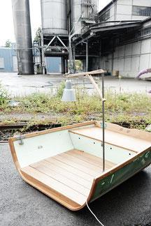 antonella garten lounge lunico zug online shop unikat einzellstück grün  fischerboot aus dem sarnersee see fischer fischen boot lounge draussen garten terrasse speziel aussergewöhnlich