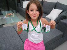 Morgane a recu ses badges pour prendre le car!!!
