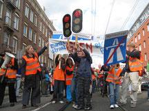bewoners acties voor veilige fietsinfrastructuur in Marnixstraat nav de dood van  Boris/12 jaar hij werd, op weg naar school,  aangereden door een  vrachtwagen, die niet uitkeek.