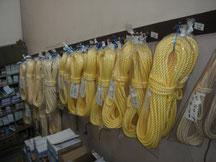 ロープ各種、有刺鉄線、ビニールロープなど