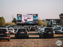 CAR WATCH Autokino Köln Parkplatz LED-Wand