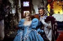 jean Marais et Catherine Deneuve dans Peau d'Ane