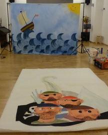 3x2 m, Stoff + 6 Elemente auf Vlies (Wolke, Serpentina, Piraten, Flagge, Eisberg, Moby Dick)  Auftraggeber: Verena Fränzel, Verein Kinder auf d. Bühne e.V. Erfurt
