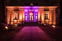 Glühweinempfang mit Tannenbaum - Theater im Zimmer Hamburg