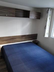 gr. Schlafzimmer mit Franz. Doppelbett
