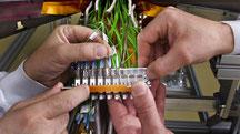 Netzwerktechnik Verteilertechnik Datenverkabelung Kupfer Netzwerk Kabel Kabelkonfektion Glasfaser Rechenzentrum Industrie Verkabelung Netzwerkkabel Gigabit Cat6A MilTac Singelmode Trunkkabel Vorkonfektioniert Kat6A Verkabelungssystem Singlemode OM4 Mehrfa