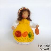 Blumenkinderwerkstatt Osterkind mit kleinem Ei