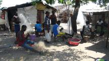 Meyingbé, tägliche Arbeit Netze flicken