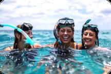 Snorkeleur dans les eaux de Nusa Penida
