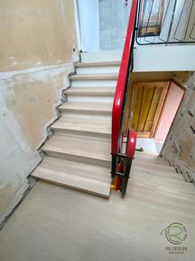 Podest-Treppe renoviert von Schreinerei Holzdesign Ralf Rapp in Geisingen, Massivholz Treppenstufen mit durchgehenden Lamellen u. rutschhemmender Oberfläche, Treppenrenovierung Betontreppe frei gelegt, Holztreppe renovieren, Treppensanierung Betontreppe