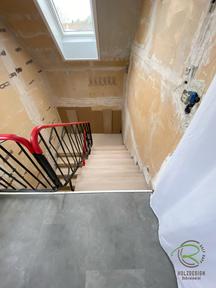 Treppenstufenerneuerung in Eiche von Schreinerei Holzdesign Ralf Rapp in Geisingen,  neue Treppenstufen in Eiche Massivholz mit weißem Stellbrett