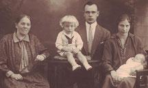 Urgroßmutter Marta Doyen,Oma Ida und Opa Paul Schmeißer mit Kindern Paul und Marga