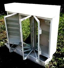 Armoire de toilette en matière plastique années 60