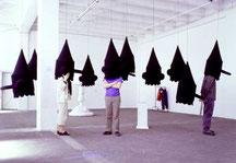 Gilles barbier, Concert autistique, 1999, 10 masques en feutre, bande son, Dimensions variables, Collection Privée, Paris, Photographie Denis Prisset.