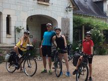Départ du Domaine de Joreau pour un séjour Loire à Vélo en famille