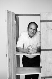 IGN CASE Möbel Schrank, Markus Ign. Müller, Designer, Massivholz