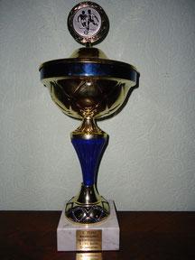 Zum 3.Mal in Folge hat der SV Döbern das Hallenturnier der D-Junioren beim 1.FC Guben gewonnen und damit den Pokal für immer inne.