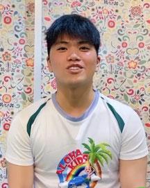 マヤ/ニュージーランド/バイリンガルトレーナー/大阪の幼児子供英会話ALOHAKIDSアロハキッズ、緑の人工芝で楽しく子供フィットネス、自然に英語が身につくキッズ英会話体操教室