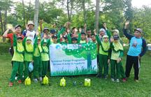 自慢の学校の森。2019 年にもさまざまな種類の苗木を植えました