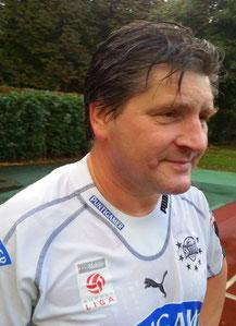 Abwehr/Mittelfeld: Franz FINK