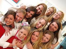 JGA Junggesellinnenabschied tagsüber Gruppenfotoshooting