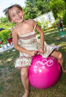 jeu enfants camping etang de bazange dordogne