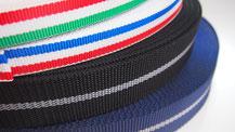 糸の色や種類を独自に組み合わせた細巾織物