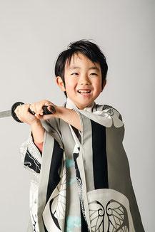 5-36 葵紋と龍 グレーの着物