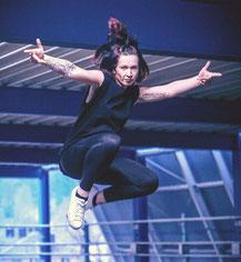 christine heldt tänzerin tanzlehrerin tanzschule wertheim marktheidenfeld  tauberbischofsheim würzburg  aschaffenburg frankfurt heidelberg buchen auftritte hip hop hochzeitstanz heiraten event idee tanzschritte walzer verlobung privat junggesellenabschied