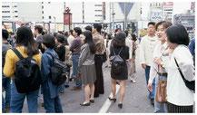 東京写真街角スナップ 傍観者たち
