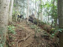 ヨメトリ坂の急登