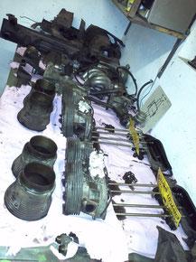 Auch der Motor wurde nicht verschont und in sämtliche einzellteile zerlegt und alle Verschleißteile erneuert.