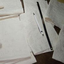 """Mes créations de la collection """"Autour de l'écriture"""" en attente d'être d'inspiration. Le crayon porte mine est prêt à dessiner sur la toile ses courbes et volutes"""