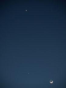 Venus (oben), Jupiter und Mond in Dreieickskonstellation