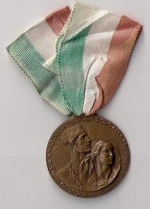 Medaglia ricordo del conferimento della medaglia d'oro alla provincia di Apuania.
