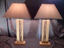 Paire symétrique de lampes en bois de chêne.Chantournage.CCL ébéniste