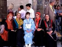 Shigeri Kitsu with festival participants, Samarkand
