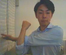 首と肩がこる奈良県大和高田市の男性