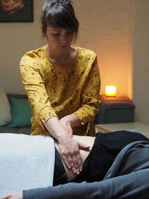 Massage des Oberkörpers zum lösen von Blockaden u.ä.