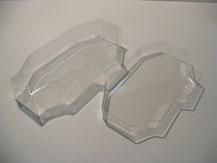 Glasklare Regenabdeckungen von Modellbau Kroh für das TAMIYA TRF Chassis