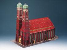 72459,  Münchner Frauenkirche,  Kartonmodell im Maßstab 1:300