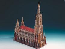 621,  Ulmer Münster,  Kartonmodell im Maßstab 1:300