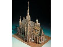 701,  Stephansdom in Wien,  Kartonmodell im Maßstab 1:300
